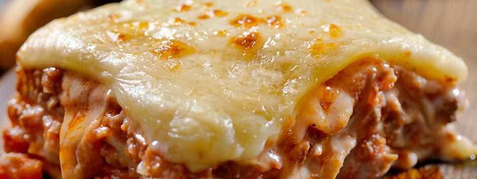 Receita de lasanha à bolonhesa com fatias de pão