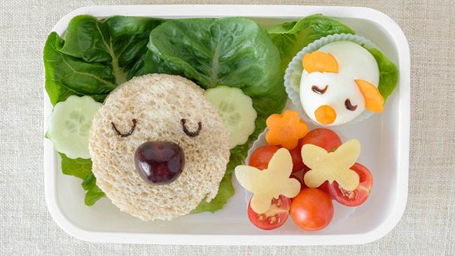 Como ajudar as crianças a comer melhor