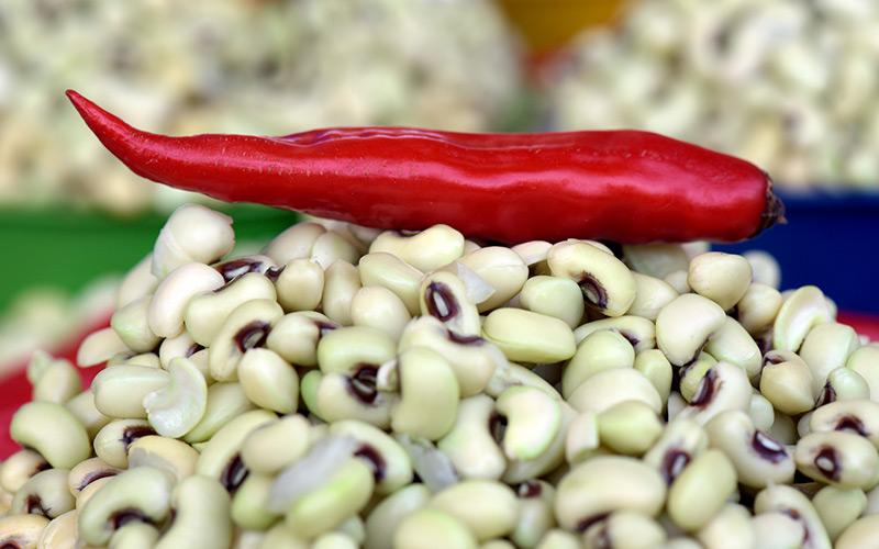 O feijão de corda é um ingrediente do baião de dois vegetariano