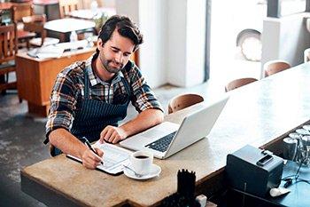 Como-cortar-despesas-nas-pequenas-empresas