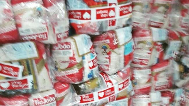 Ação de entrega de cestas básicas em Paraisópolis