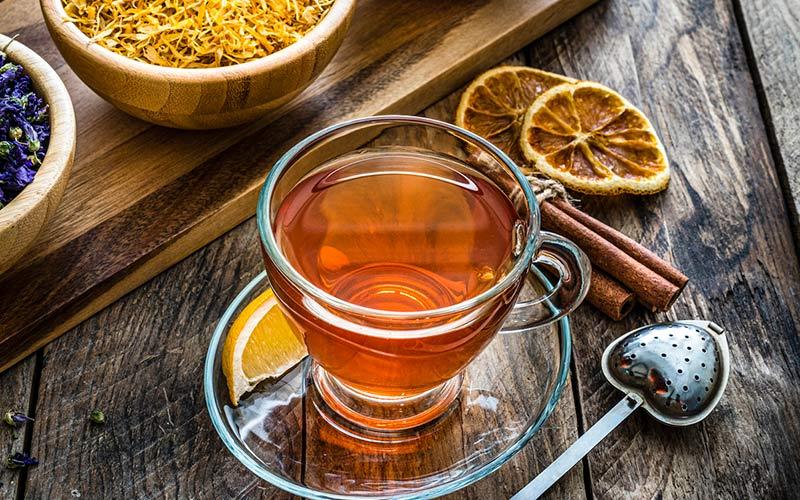 Chá de maçã com especiarias