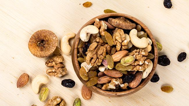 Castanhas e frutas secas podem matar a vontade de comer doce