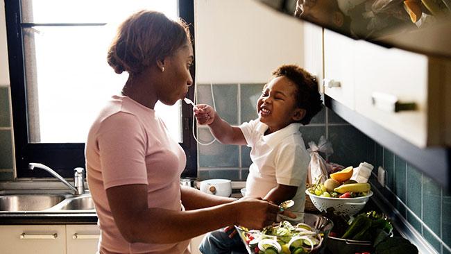 cozinhe em casa e combata a obesidade infantil