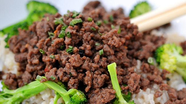 Receita sustentável de carne moída com talos.jpg