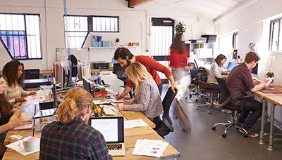 As pessoas são o foco do design de um espaço de trabalho moderno