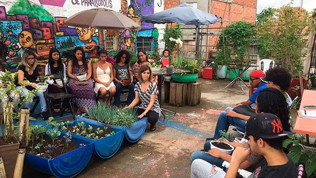 Comunidade de Paraisópolis aprende a montar hortas comunitárias