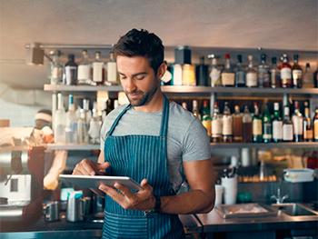 Como comunicar e atender seus clientes de forma segura na retomada