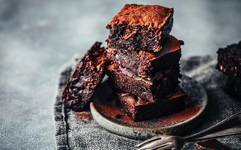 Receita fácil de brownie de abacate com cacau