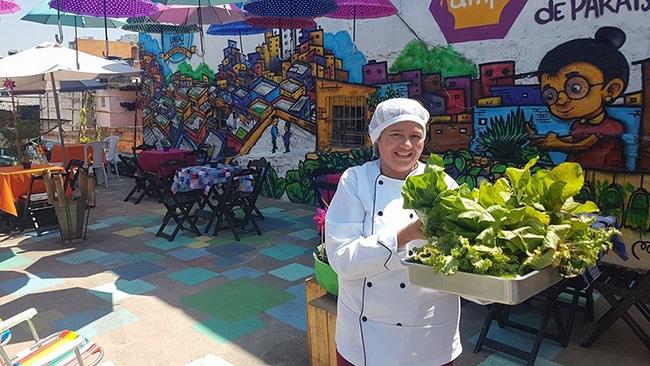 Horta na Laje é um projeto que capacita mulheres para empreender